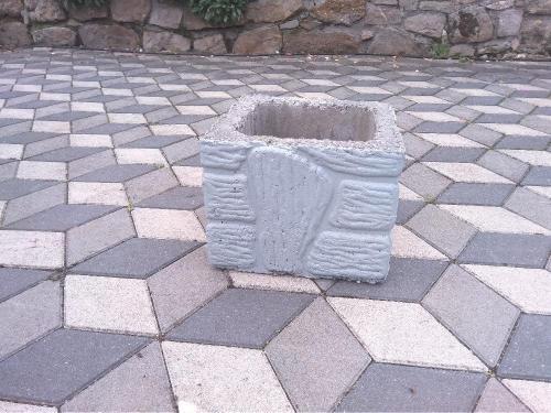 Ručně malované betonové díly